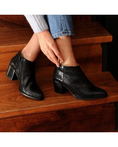 Odessa Boots - Black Snake